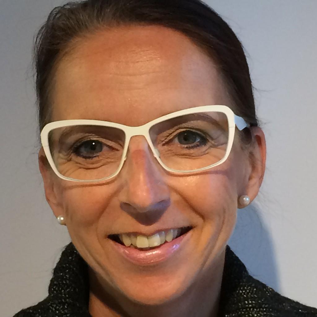 maßgefertigte brille aus edelstahl