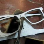 maßbrille: ausgesägt